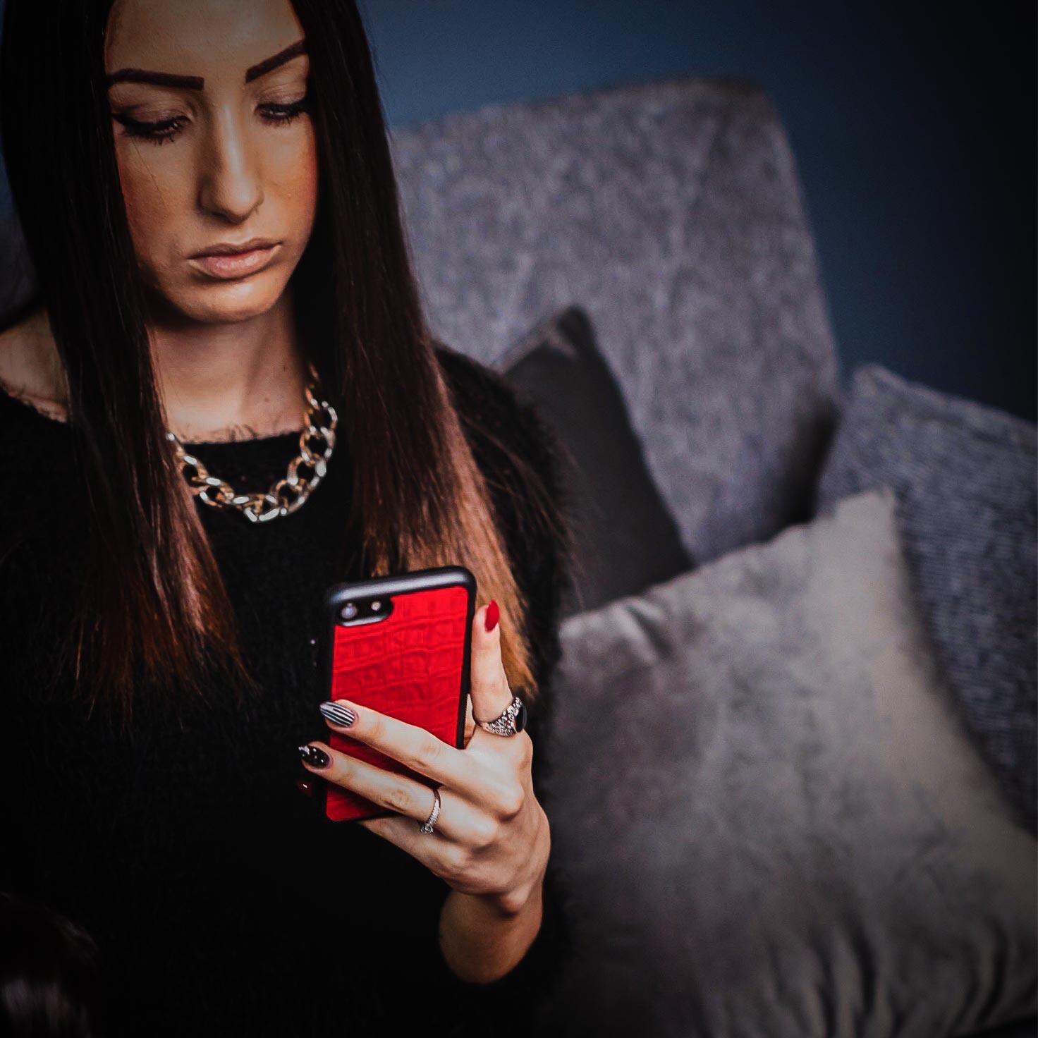 Cover iphone rossa in pelle